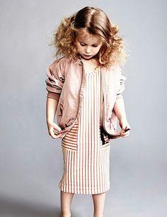 #bomber #fashionkids #trendalert #kidstreetstyle #coolkidsclothes #littlefashionistascloset #tendencias #modaniña