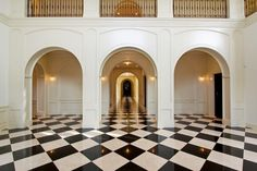 Palm Beach Residence « Marmol | Black Absolute Granite and Crema Marfil Marble checkered floor