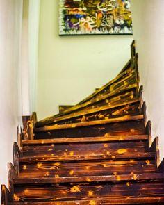 Ahşap merdivenler.. @mimkahve