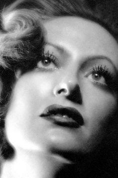 Joan Crawford, Rain - 1932