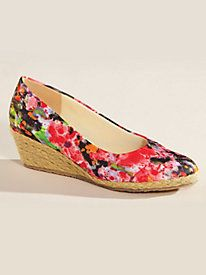 The flower garden at your feet creates a pretty focal point to dress up your look ~ Westport Style Floral Print Espadrilles from OPT