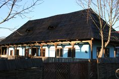Casa Ethnos Sintereag BN/ Fotografie Alexandru Uiuiu Romania, Cabin, Country, House Styles, Home Decor, Decoration Home, Rural Area, Room Decor, Cabins