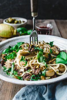 Pesto Tortellini, Pesto Sauce For Pasta, Pesto Pasta Salad, Roasted Vegetable Pasta, Broccoli Pasta, Creamy Pasta Recipes, Pasta Salad Recipes, Eat This, Vegan Pasta