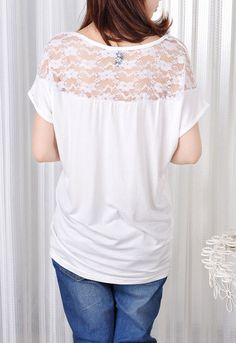 Group Graphic Skull Lace Sleeved T-shirt