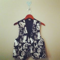 black & white cat vest 80s / 90s. $24.00, via Etsy.