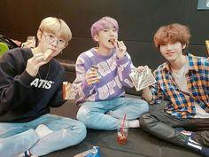 Conoce a M.O.N.T! Conviértete en Mint! ☞Aquí encontrarás: ⏩Guía ⏩Perf… #detodo # De Todo # amreading # books # wattpad Hip Hop, Seventeen Woozi, Nct Dream Jaemin, Woo Young, Wattpad, Jaehyun Nct, Group Photos, Taemin, Super Junior