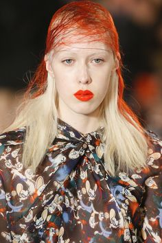 See detail photos for Maison Margiela Fall 2016 Ready-to-Wear collection.