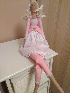 Panenka+Andělka+Andělka+v+růžových+barvách.+Krásná+dekorace+do+holčičího+pokojíčku.+Výška+62cm.,ušitá+z+bavlněných+látek+a+plněná+dutým+vláknem.