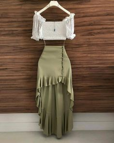 Falda Source by dress outfits Women's Dresses, Cute Dresses, Fashion Dresses, Hijab Fashion, Fashion Clothes, Summer Dress Outfits, Spring Outfits, Cute Casual Outfits, Stylish Outfits