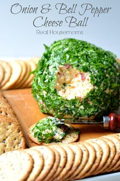 Onion & Bell Pepper Cheese Ball Yummy Appetizers, Cheese Appetizers, Appetizer Dips, Appetizers For Party, Appetizer Recipes, Party Snacks, Yummy Snacks, Dip Recipes, Snack Recipes