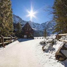 """via. @tatromaniak.pl """"Schronisko nad Morskim Okiem.  #tatry #tatromaniak #tatramountains #tatras #góry #mountains #polskajestpiekna #poland #morskieoko #schronisko #zima #winter #landscapephotography #landscapelovers #amazing #place #natgeo #earthporn""""  buff.ly/2i5iQap"""