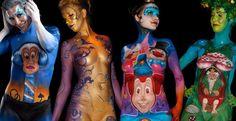 Efteling showt beschilderde blote borsten op Pinterest