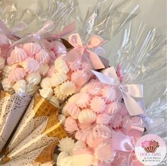New bridal bouquet diy shower gifts Ideas Shower Party, Baby Shower Parties, Shower Gifts, Bridal Shower, Diy Shower, Shower Ideas, Diy Bouquet, Candy Bouquet, Wedding Favors