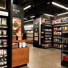 Industrial Bedroom Design, Vegetable Shop, Commercial Kitchen, Whole Foods Market, Store Displays, Retail Design, Store Design, Grocery Store, Coffee Shop