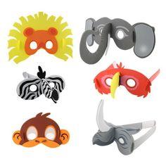Les 6 masques en mousse sont à fabriquer. L'enfant colle les différentes pièces les unes aux autres et réalise ainsi les six masques d'animaux :  un éléphant, un perroquet, un zèbre, un singe, un lion et un rhinocéros. Ce kit permet d'animer un goûter d'anniversaire, ou de compléter un déguisement.