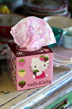 Hello Kitty tissues: Your daily packaging smile : ) PD Sanrio Hello Kitty, Hello Kitty Haus, Hello Kitty Kitchen, Hello Kitty Items, Hello Kitty Stuff, Hello Kitty Bathroom, Tissue Box Covers, Tissue Boxes, Hello Kitty Imagenes