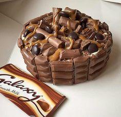 Chocolate Cake Birthday Girl 21 Ideas For 2019 Fun Baking Recipes, Cupcake Recipes, Sweet Recipes, Dessert Recipes, Köstliche Desserts, Delicious Desserts, Yummy Food, Crazy Cakes, Galaxy Chocolate