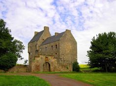 Lallybroch, also known as Broch Tuarach, is Jamie's fictional home in the series. In real life it's a part-ruined 16th-century tower house near Edinburgh. If you do visit, please don't go inside; the interior is derelict and not entirely safe. Just admire it from a distance.