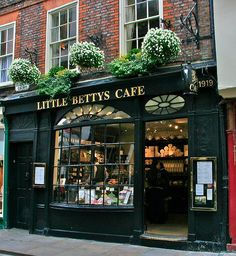 Little Betty's, York, Yorkshire, England One of my favorite places -great Welsh Rarebit! Original pinner said) Bar Madrid, Appartement New York, York Uk, York England, Cafe Shop, Shop Fronts, Cafe Restaurant, Bungalow, Facade