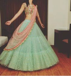 Designer Bridal Lehenga, Indian Bridal Lehenga, Indian Bridal Outfits, Indian Designer Outfits, Lengha Choli Designer, Indian Wedding Gowns, Ghagra Choli, Designer Dresses, Half Saree Lehenga