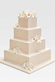 Win This Gorgeous Wedding Cake A La Carlo S Bakery Along With An Entire Luxury At The St Regis Monarch Beach Gown By David Bridal