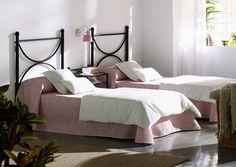 Dale un cambio al dormitorio infantil:  Cabezal modelo Clara. pvp 97eur. tienda online www.fustaiferro.com