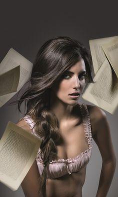 La #treccia è un must per questa stagione, da portare anche morbida su un lato! Vi piace? :-) #hairstyle - ¡La #trenza es un must en esta estación. Llevada suavemente hacia un lado! ¿Les gusta? :-) #peinados - #Braid is this season's must-have; wear them loose on one side! Like it? :-) #hairstyle