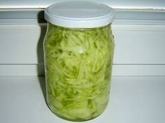 Jak připravit okurkový salát do sklenic | recept Homemade Pickles, Home Canning, Cooking Recipes, Healthy Recipes, Dairy Free Recipes, Cucumber, Food To Make, Food And Drink, Pizza