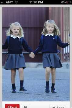 Infanta Sofia and Infanta Lenor of Spain Private School Uniforms, Toddler School Uniforms, Kids Uniforms, School Uniform Girls, Police Uniforms, Preppy Baby Girl, Baby Girl Fashion, Kids Fashion, Back To School Fashion