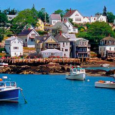 Always wanted to visit New England? Check out this secret Maine coast road trip route. Porches, Places To Travel, Places To Go, Dream Vacations, Vacation Spots, Vacation Ideas, Vacation Places, Vacation Rentals, So Little Time