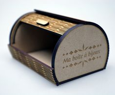Prototype de boîte à bijoux de designer en gravure et decoupe laser | découpe laser