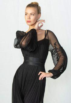 Valentina Vidrascu Cold Shoulder Dress, Style Inspiration, Traditional, Formal Dresses, Costumes, Fashion, Dresses For Formal, Moda, Formal Gowns