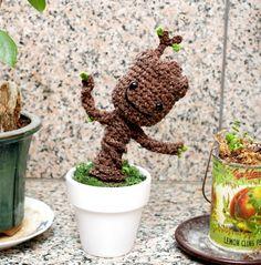 Free dancing baby Groot crochet pattern | Dork Adore