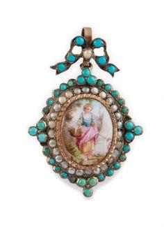 PENDENTIF XIXe siècle en argent 925 millièmes, retenant un médaillon ovale de [...], Les Ecrins de Fontainebleau, Bijoux & Montres de Collection à Osenat | Auction.fr