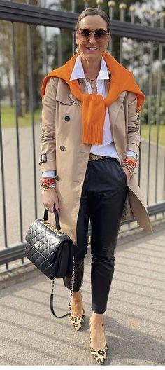 Over 50 Womens Fashion, Fashion Over 40, Look Fashion, Fall Winter Outfits, Autumn Winter Fashion, Classy Outfits, Stylish Outfits, Mode Outfits, Fashion Outfits