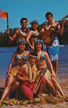 Hinano Tahitian Drum Dancers - Wisconsin Dells, Wisconsin