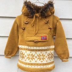 Trollhetta mønsterhefte til barn - SiSiVe AS Crochet Mittens Free Pattern, Crochet Flower Patterns, Baby Knitting Patterns, Knit Crochet, Knitting For Kids, Free Knitting, Knitting Projects, Minion Baby, Baby Knitting