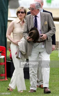158108233-the-countess-of-wessex-father-christopher-gettyimages.jpg (369×594)