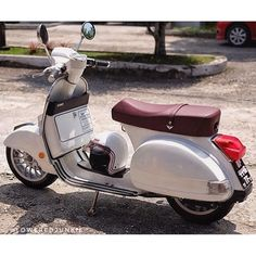 "1,422 Likes, 11 Comments - vespa px (@vespapxnet) on Instagram: ""Lowered Vespa PX with Vespa Sprint velg  #vespavelg @loweredjunkie"""