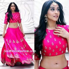 Regina Cassandra in Jayanti Reddy – While promoting her movie Shourya, Regina Cassandra was seen in a pink embroidered lehenga and crop top by Jayanti Reddy. She finished out her look with wa Bollywood Actress Hot Photos, Beautiful Bollywood Actress, Beautiful Indian Actress, Tamil Actress, Lehenga Crop Top, Lehenga Blouse, Jayanti Reddy, Regina Cassandra, India Wedding