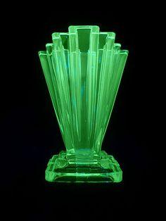 Art deco vase - MMMMMMMMmmmmm