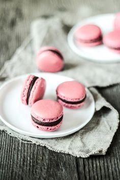 Die Glücklichmacherei: Macarons 〖Brombeere Schokolade〗