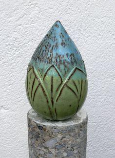 Pflanzen- & Gartenstecker - türkisblau-maigrüne WUNDERBLUMENKNOSPE - ein Designerstück von Brigitte_Peglow bei DaWanda