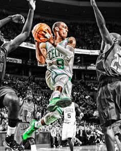 Very cool picture of Rajon. Great leader and player. He's gonna have a great season next year.