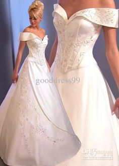 reminds me of the dress from sleeping beauty and beauty and the beast