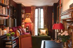Chelsea House - Paolo Moschino for Nicholas Haslam Ltd - Drawing Room with large build-in bookcases-library