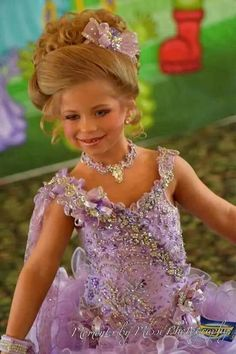Miss Michkayla showing off her new Royalty Designs pageant dress… Toddler Pageant Dresses, Beauty Pageant Dresses, Pageant Girls, Toddlers And Tiaras, Blonde Hair Blue Eyes, Doll Outfits, Doll Clothes, Royalty, Flower Girl Dresses