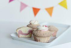 {Fabelaktig} ombre cupcake, frosting, pink, white cake, garland