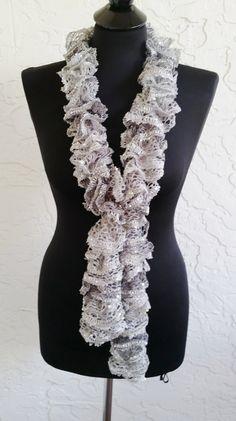 Hand-stricken-Rüsche Schal  Spiralen  grau Glanz mit von annmag