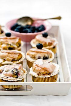 Muffinki z borówką amerykańską i lukrem cytrynowym